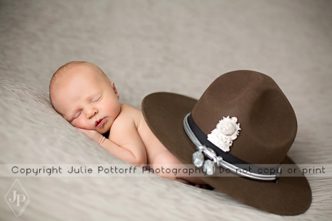 southern illinois newborn photographer
